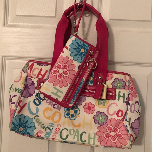 Coach Handbags - Coach handbag with wallet
